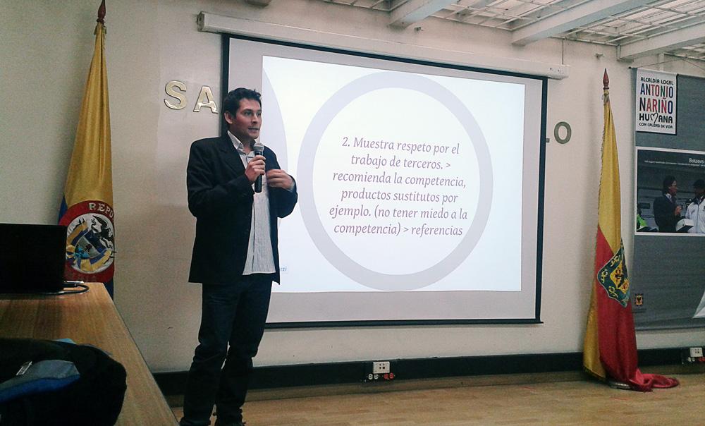 Conferencia Carlos González